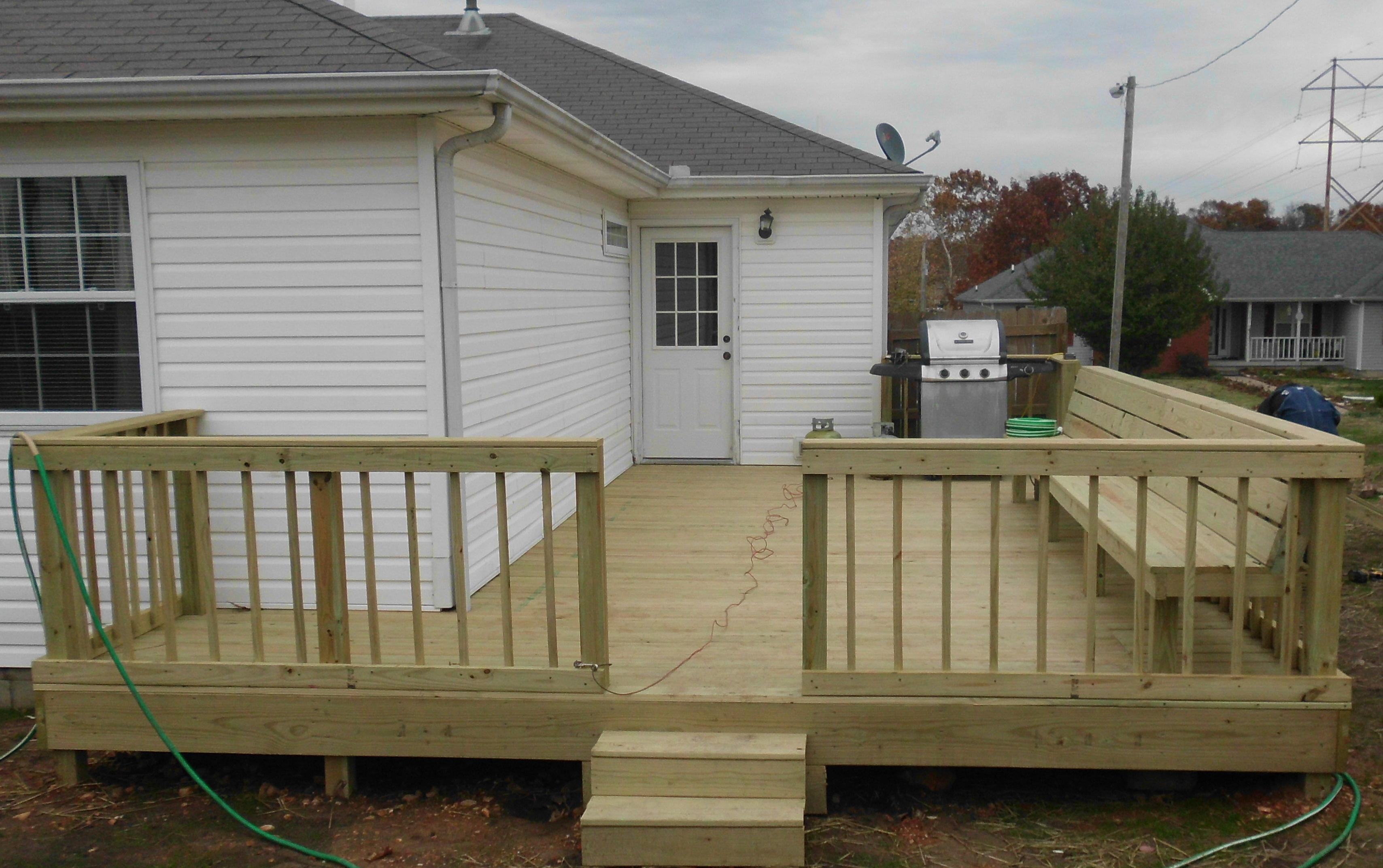 DeGraff Construction LLC Deck with Bench